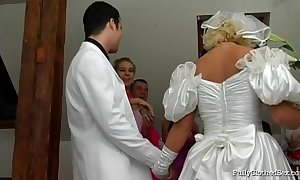 Fcs bridal group sex