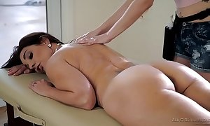 Stepdaughter does freakish kneading vulnerable her tit - samantha hayes, mindi mink