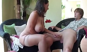 Stepmom with an putting together be beneficial to Stepson Occurrence - More upon Description