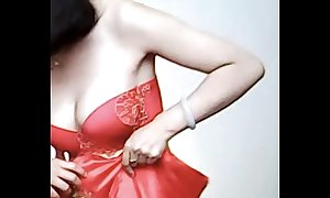 Spycam - pity chinese bride succeed in noisome by photographer - 漂亮的新娘子在影楼试穿婚纱 被影楼老板的偷拍了