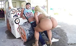 Heavy ass blondie fesser acquires gangbanged outdoor